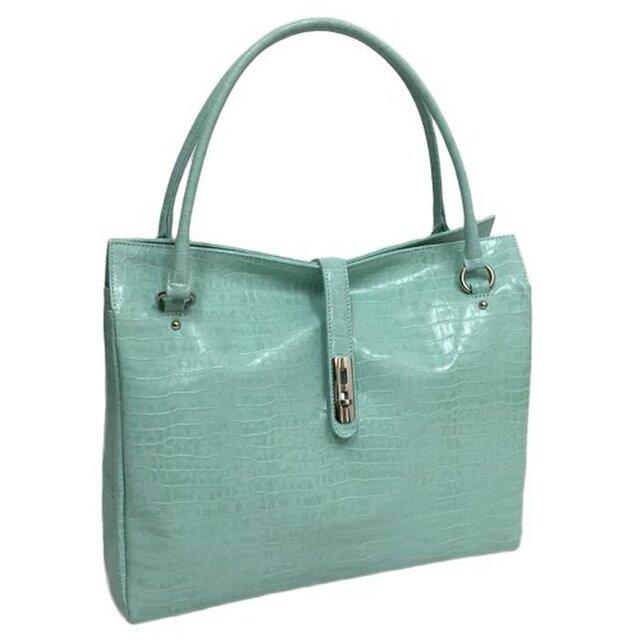 オール牛革 本革バッグ トートバッグ ハンドバッグ ヒネリ金具付き 軽量 リアルレザー クロコ型 ライトブルーの画像1枚目