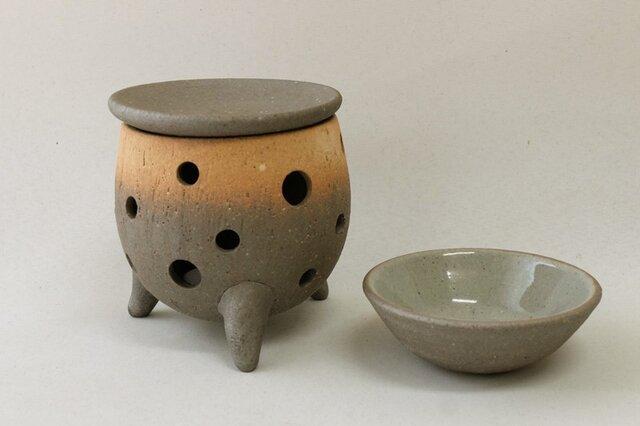 炭化茶香炉またはアロマポット(丸)の画像1枚目