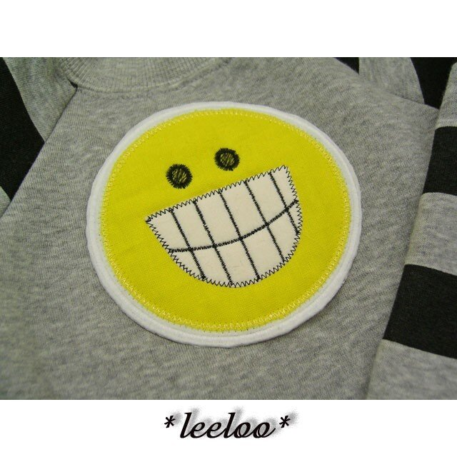 ★お笑い★歯出しシンプルニコニコワッペン★の画像1枚目