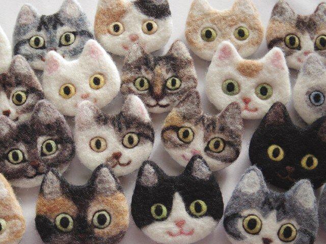 【オーダーメイド】猫顔フェルトブローチの画像1枚目