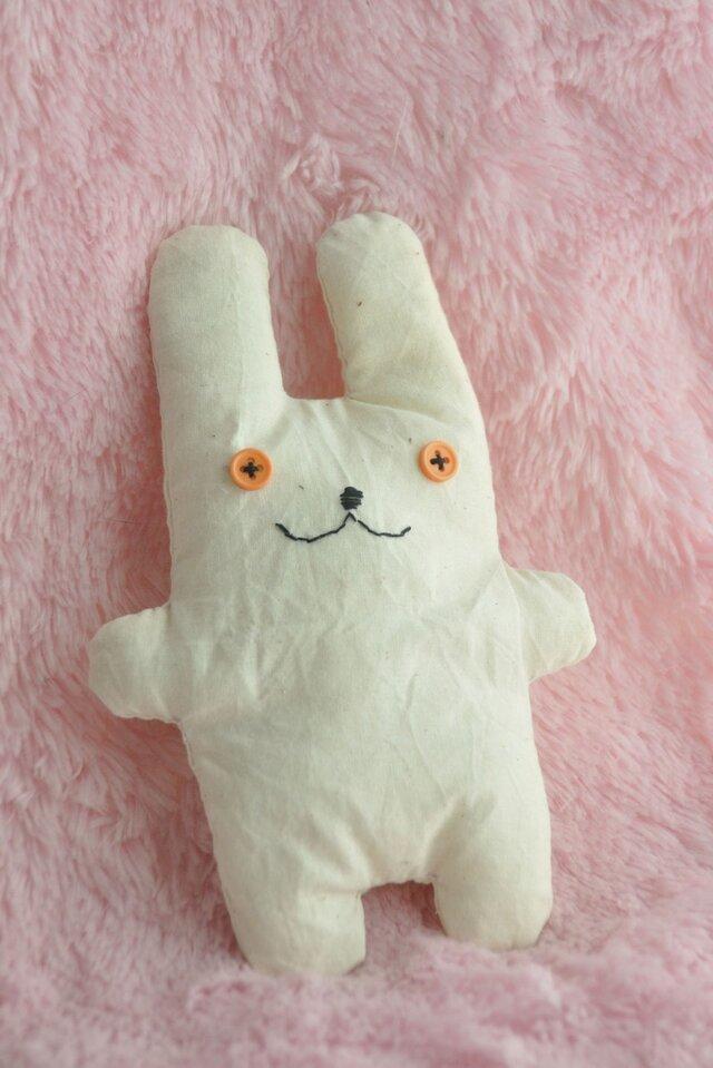 生成りのウサギさんの画像1枚目