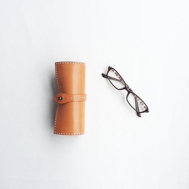 栃木レザーを使った巻物メガネケース キャメルの画像1枚目