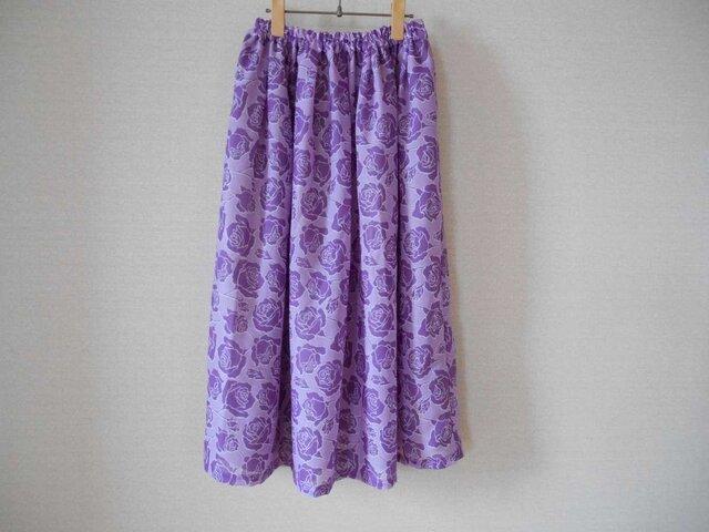 外国ブランド生地の春スカートの画像1枚目