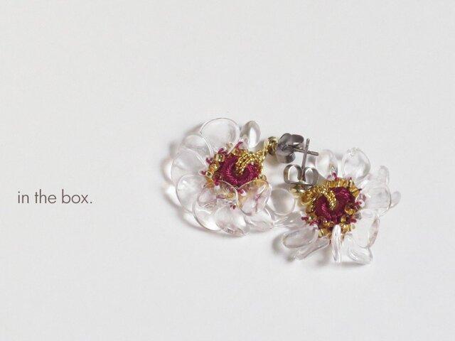氷の花 ボルドーレッド ピアスの画像1枚目