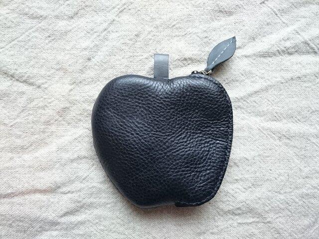 リンゴのコインケース(黒)の画像1枚目