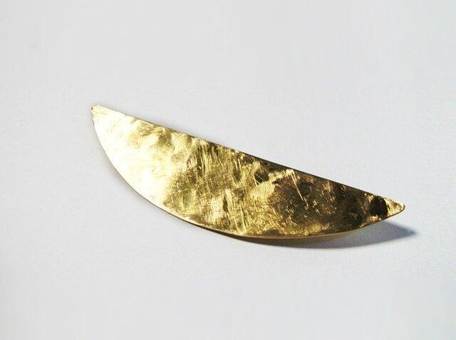 真鍮の三日月ブローチの画像1枚目