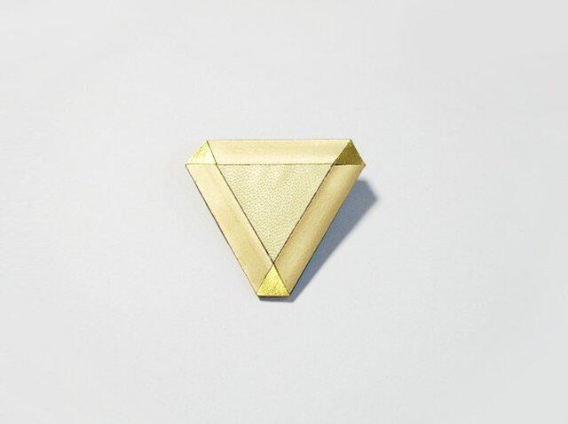 革の三角ブローチの画像1枚目