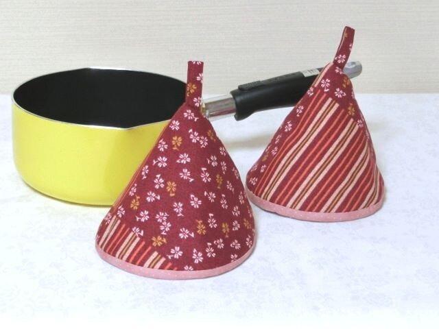 鍋つかみ  三角つまみ 和 古典なでしこ2個組 の画像1枚目