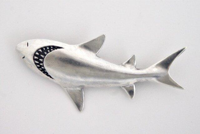 サメブローチの画像1枚目