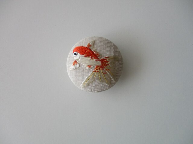 ゆらゆら 金魚の帯留めの画像1枚目