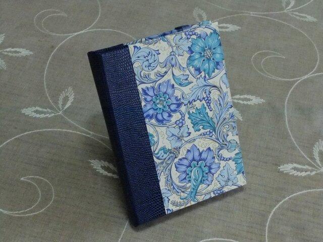 ★お名前入り★  my メモ帳ホルダー *青い花*の画像1枚目
