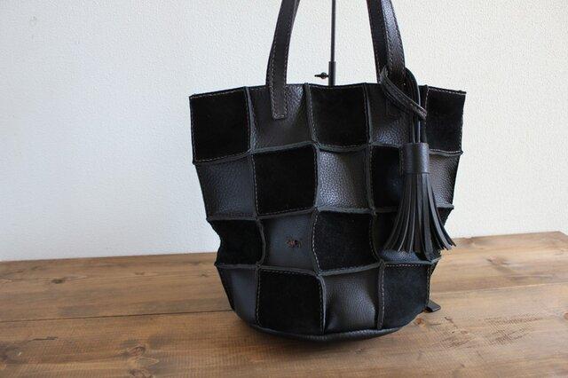 手縫い Patchwork tote M (ブラック)の画像1枚目