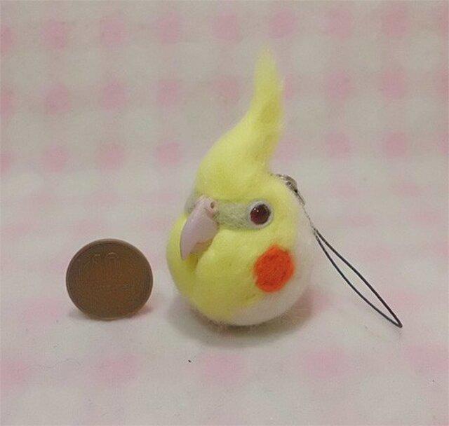 羊毛フェルト 小鳥ストラップ・イヤホンジャック たこ焼き大玉(?)サイズ♪ / オカメインコ ルチノーの画像1枚目