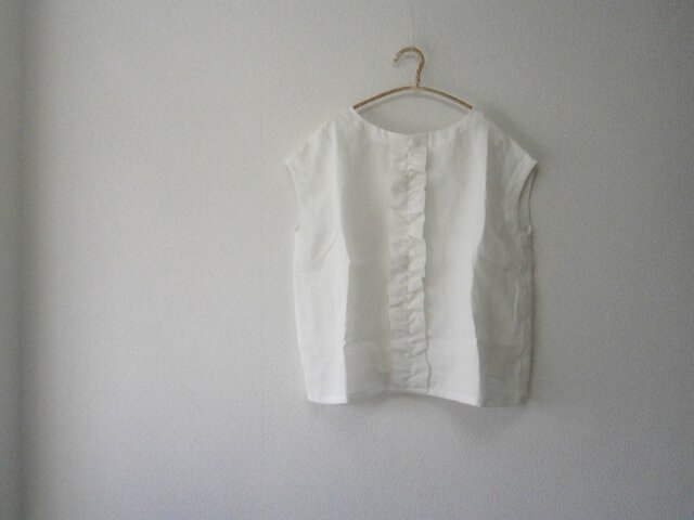 en-enフランスリネン・バイオウオッシュ・フレンチ袖フリルプルオーバー・オフホワイト16034の画像1枚目