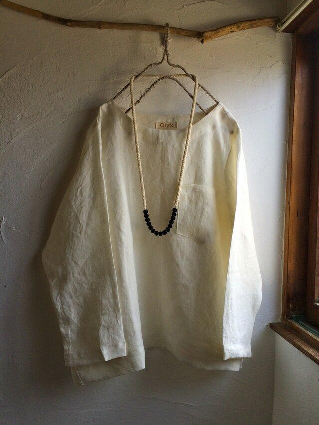 リネン100 ポケット付きプルオーバーブラウス オフホワイトの画像1枚目