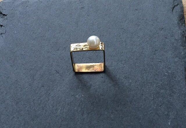 バロックパール真鍮スクエアリングの画像1枚目