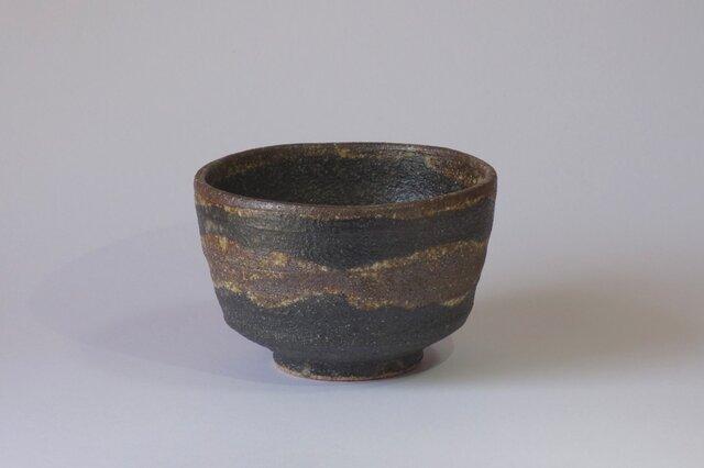 碗(鉄絵波紋)の画像1枚目