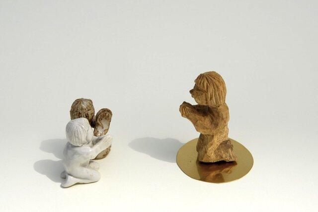 祈る子(立ち膝)The child who prays (knees)の画像1枚目