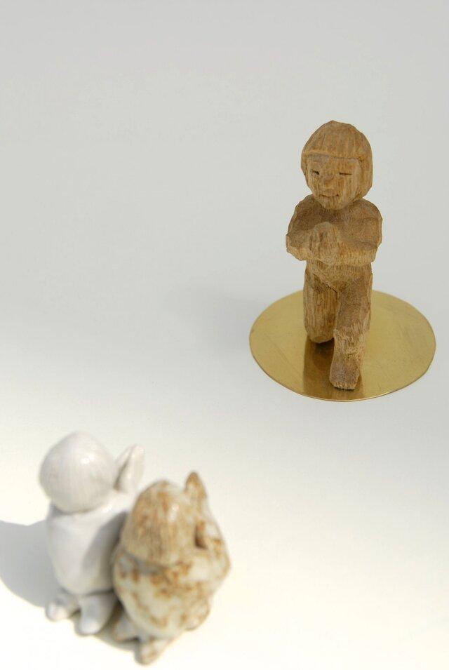 祈る子(片立ち膝) The child who prays (One knee)の画像1枚目