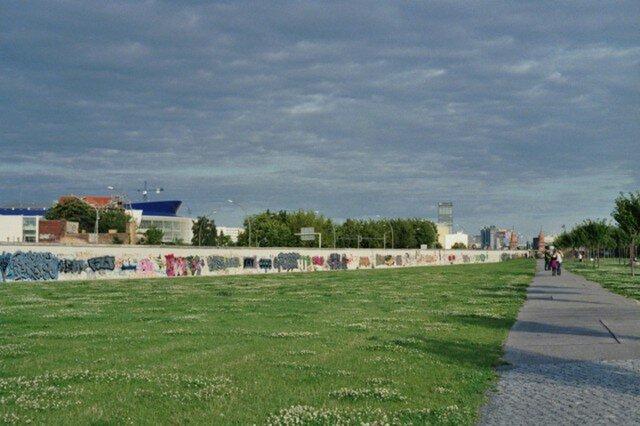 【額付写真】die Wandの画像1枚目