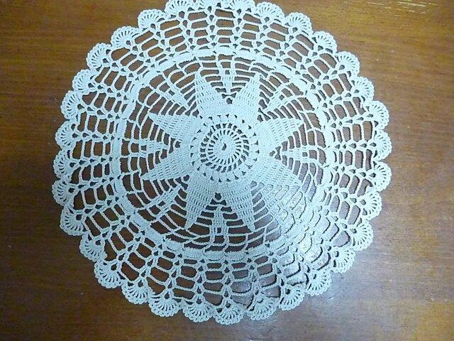 手編みレースドイリーの画像1枚目