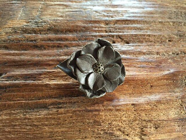 革花のブローチピン 金具2cm G4の画像1枚目