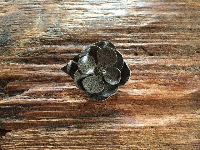 革花のブローチピン 金具2cm G5の画像1枚目