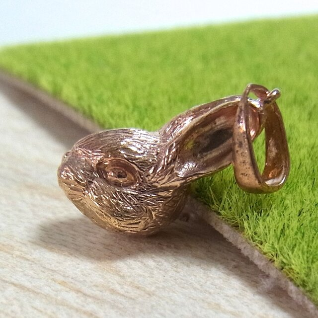 ウサギのペンダントトップ(SV925 ピンクゴールドメッキ)の画像1枚目