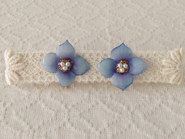 染め花を樹脂加工した紫陽花イヤリング(S・青紫)の画像1枚目