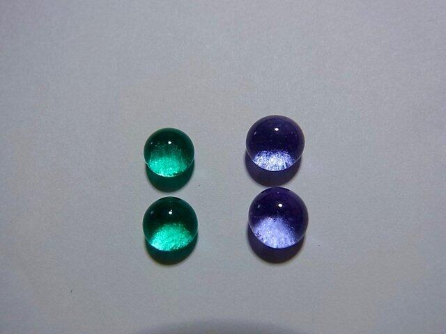 ヒュージンググラスのイヤリングORピアスの画像1枚目