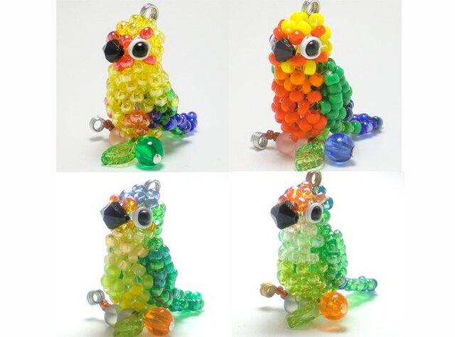 メキシコインコ系☆3WAYストラップ(ストラップ・イヤホンジャック・ファスナーチャーム)ビーズの小鳥の画像1枚目