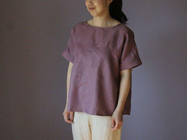袖ステッチブラウス:赤紫の画像1枚目