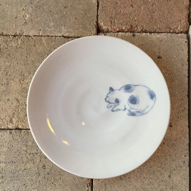 染付5寸猫皿 42の画像1枚目
