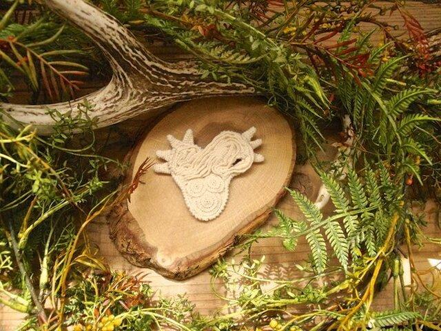 縄文式土器のカケラブローチaの画像1枚目