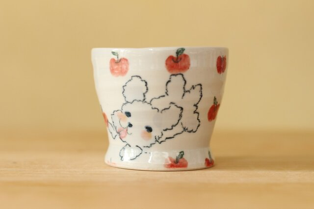 トイプードルとりんごのカップ。の画像1枚目