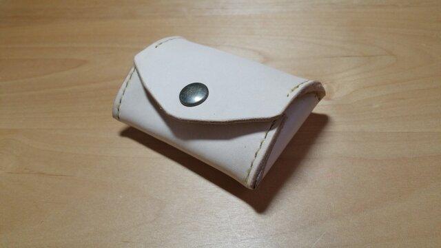 ヌメ革のコインケースの画像1枚目