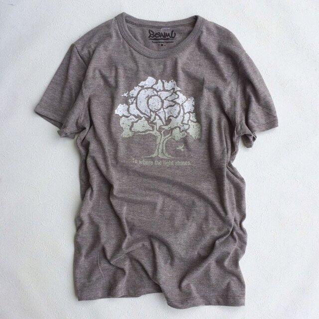 ONE BIG TREE TEE  (UNISEX T-SHIRTS)の画像1枚目