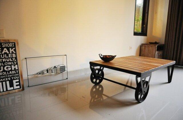 車輪付きローテーブルの画像1枚目