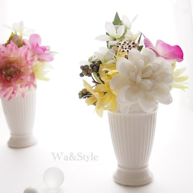 お供え花アレンジメント(トール)ホワイトの画像1枚目