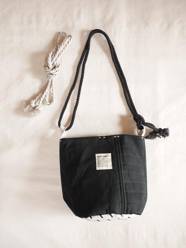 quilting patchwork bucketbag (black)の画像1枚目