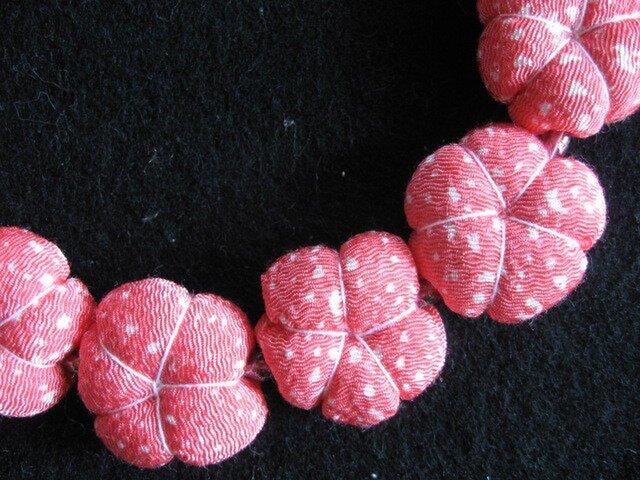 梅 布ネックレス ピンクの画像1枚目