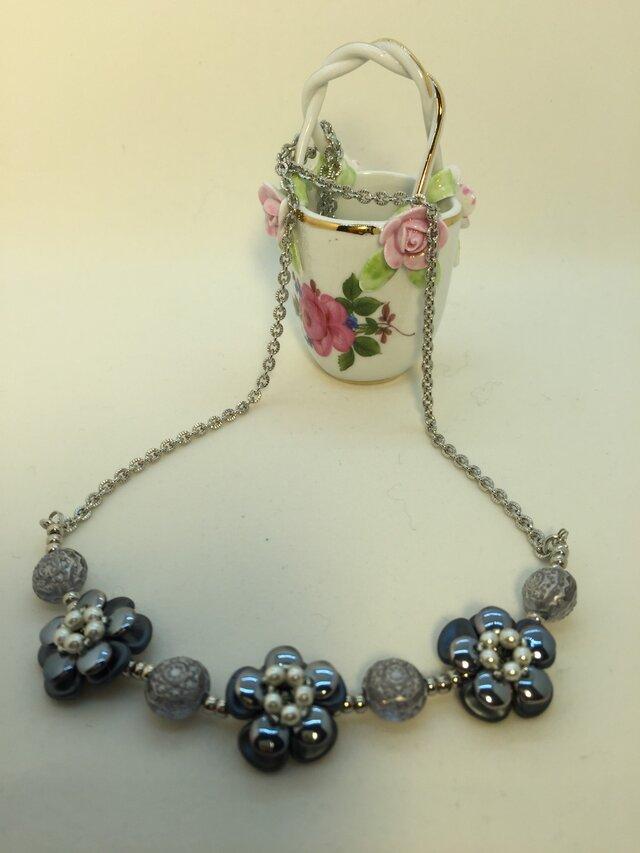 お花のネックレスの画像1枚目