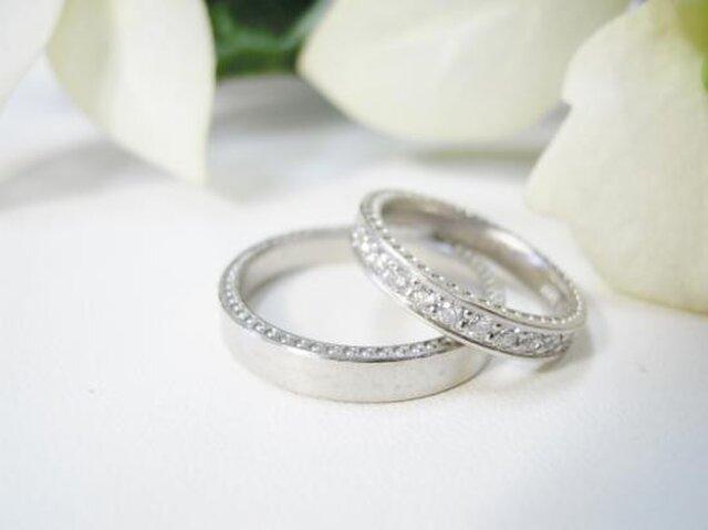 結婚指輪 手作り(鍛造&彫金)プラチナ粗仕上げ 女性はミル&エタニティ 男性はミル&平打ちの画像1枚目