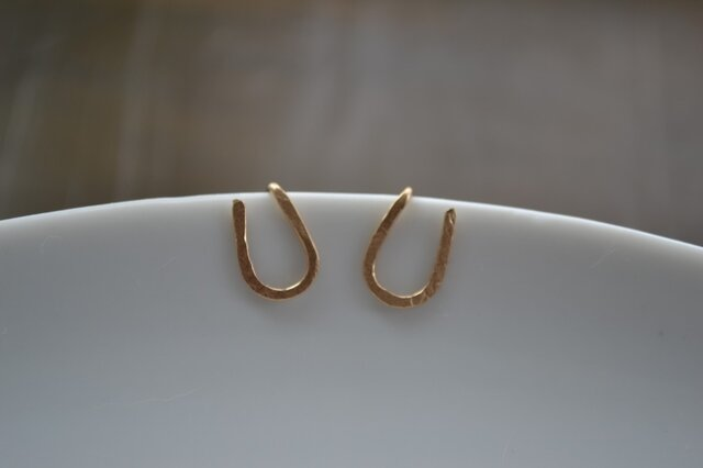 【k14gf】horseshoe pierced earring【受注製作】の画像1枚目