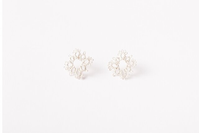 Lace pierced earring Square silverの画像1枚目