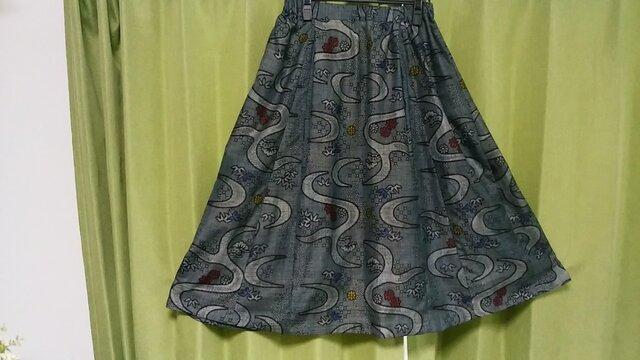 大島紬のフレアースカート ー 裏付きー 一点品の画像1枚目