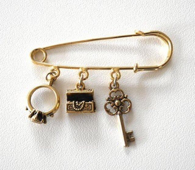 指輪、宝石箱、鍵ピューターチャーム*ストールピンの画像1枚目