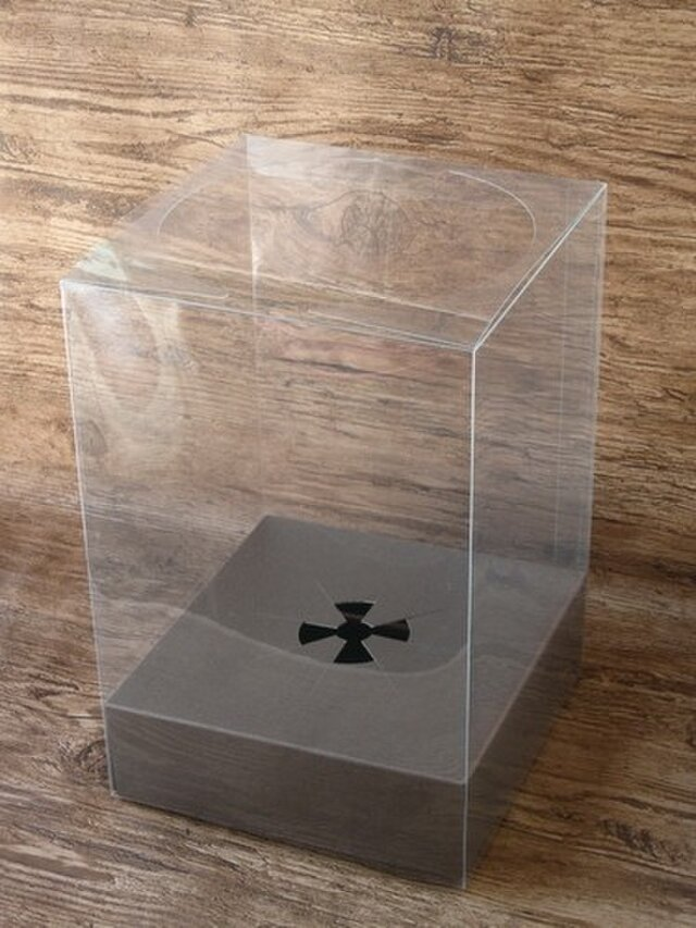 クリアケースL ※単品ではご購入いただけません。ほかの作品と一緒にご購入お願い致します。の画像1枚目