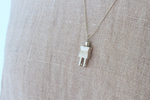 miniature tool necklace プラグの画像1枚目