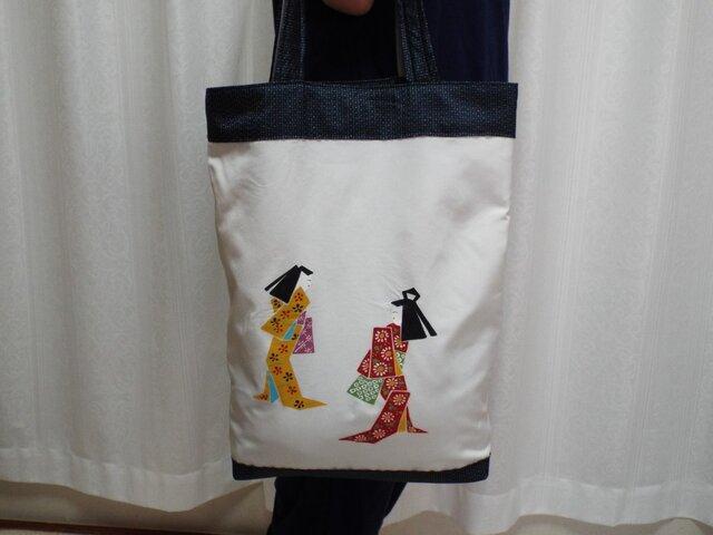 人形柄のトートバッグの画像1枚目